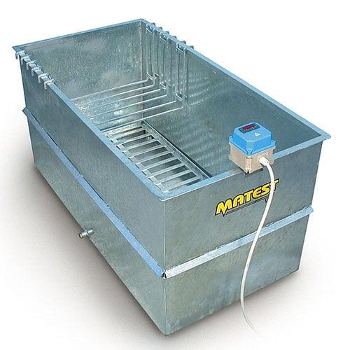 метална вана за бетонови кубчета