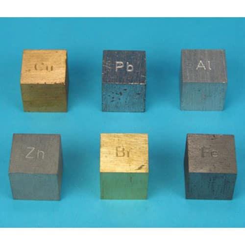 метални кубчета